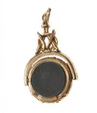 ANTIQUE SWIVEL FOB SET WITH BLOODSTONE AND CARNELIAN at Ross's Jewellery Auctions