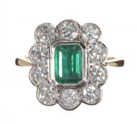 18CT GOLD EMERALD AND DIAMOND CLUSTER RING at Ross's Auctions
