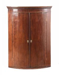 GEORGIAN MAHOGANY HANGING CORNER CABINET at Ross's Auctions