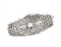 PLATINUM AND DIAMOND BROOCH at Ross's Auctions
