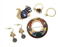 SELECTION OF GOLD-TONE JEWELLERY at Ross's Jewellery Auctions