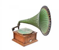 THE CAVALIER GRAMOPHONE at Ross's Auctions