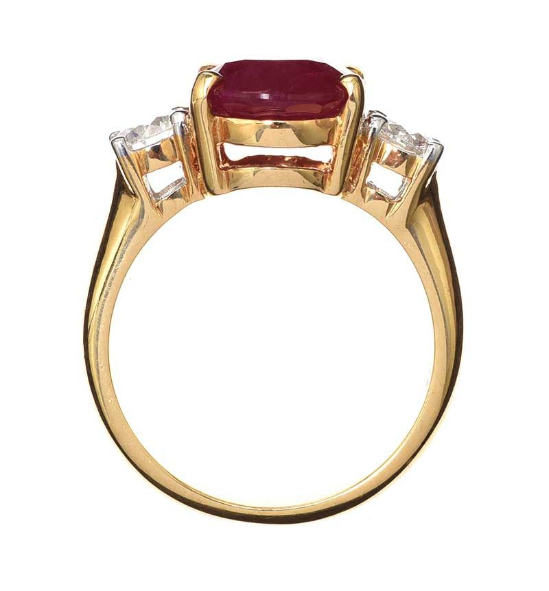 18CT GOLD RUBY AND DIAMOND RING at Ross's Online Art Auctions