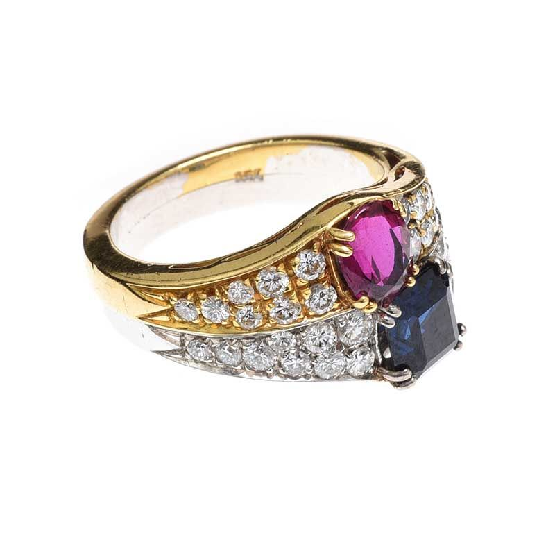 18CT GOLD AND WHITE GOLD RUBY AND SAPPHIRE RING at Ross's Online Art Auctions