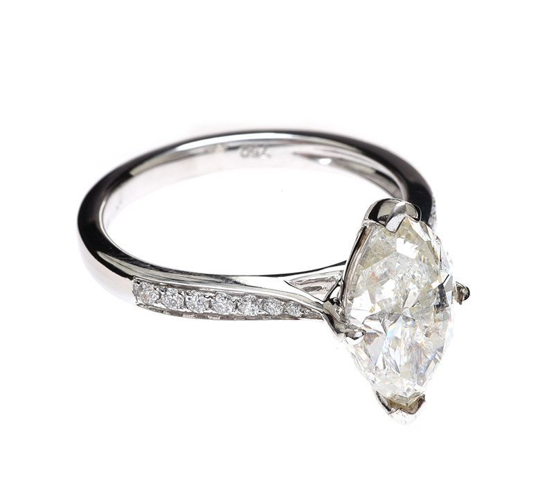 18CT WHITE GOLD DIAMOND SOLITAIRE RING at Ross's Online Art Auctions