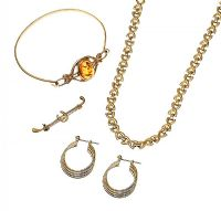 GOLD TONE COLLECTION OF JEWELLERY at Ross's Jewellery Auctions