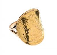 9CT GOLD MOUNTED VICTORIAN FULL SOVEREIGN RING at Ross's Jewellery Auctions