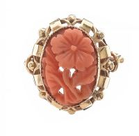 9CT GOLD CARVED CORAL RING at Ross's Jewellery Auctions