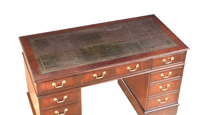 MAHOGANY PEDESTAL DESK at Ross's Online Art Auctions