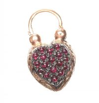 VICTORIAN GOLD-TONE HEART-SHAPED PENDANT SET WITH GARNET AND ONYX at Ross's Jewellery Auctions