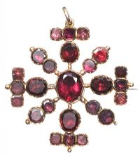 GEORGIAN GOLD ALMANDINE GARNET BROOCH/PENDANT at Ross's Jewellery Auctions