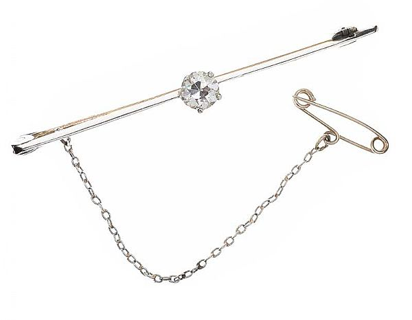 WHITE GOLD DIAMOND BAR BROOCH at Ross's Online Art Auctions