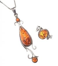 SILVER AMBER NECKLACE AND RING at Ross's Jewellery Auctions