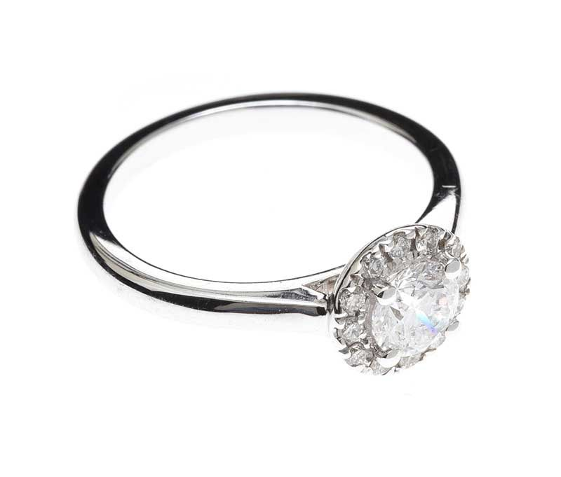 18CT WHITE GOLD DIAMOND RING at Ross's Online Art Auctions
