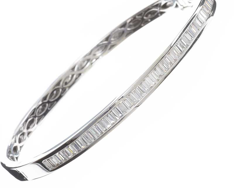 18CT WHITE GOLD DIAMOND BANGLE at Ross's Online Art Auctions