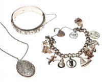 COLLECTION OF SILVER JEWELLERY at Ross's Jewellery Auctions