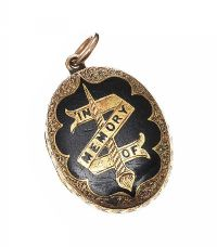 VICTORIAN MOURNING LOCKET at Ross's Jewellery Auctions