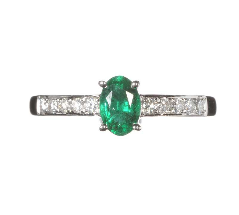 18ct white gold emerald and ring