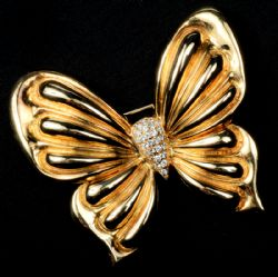 Late Entry - Bespoke 18 ct gold diamond butterfly brooch