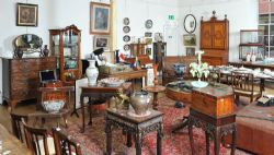 Ross39s auctioneers valuers irish art jewellery for Home furniture online ireland